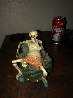 Skelton Couch Potato statue collectible for Sale in Las Vegas, NV