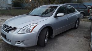 2010 Nissan Altima rebuilt title,leather seat for Sale in Columbus, OH