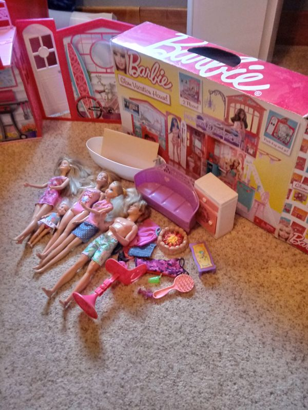 Barbie Glam house w/5 dolls