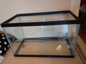 10 gallon aquarium + Supplies for Sale in Lincoln Park, MI