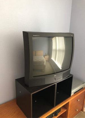 32 inch tv works great for Sale in Kissimmee, FL