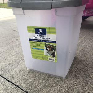 25 Lb Food Container for Sale in Port St. Lucie, FL