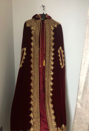Henna velvet burgundy and gold two pieces outfit for Sale in Northville, MI