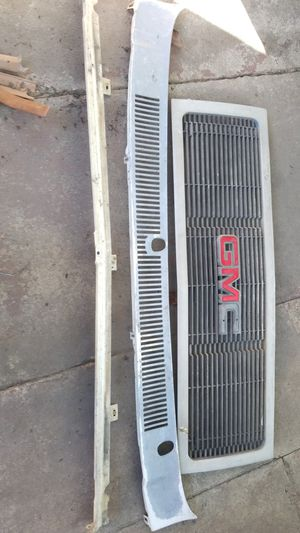 1991 GMC suburban parts Free! for Sale in Los Angeles, CA