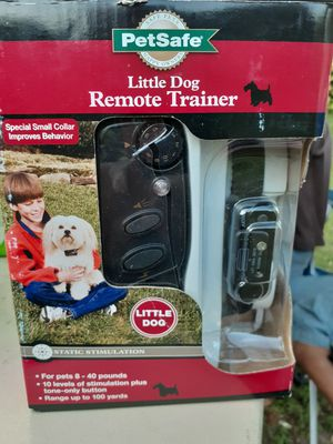 PETSAFE little dog remote trainer for little dogs and medium to bigger dogs open to Once never used for Sale in Wichita, KS