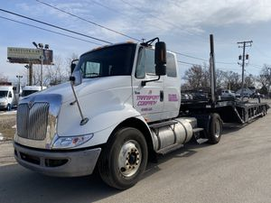 2007 international 8600 cummins motor 425 hp with 2017 sun country 5 car trailer for Sale in Roselle, IL
