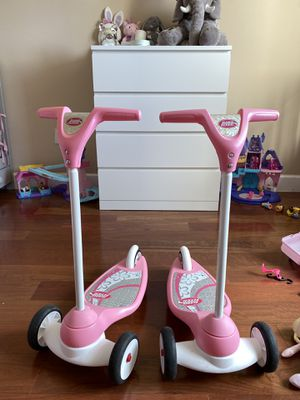 Scooter radio flyer pink for Sale in Miami, FL