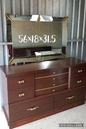 Ward furniture dresser with mirror refinished for Sale in Cedar Hill, TX