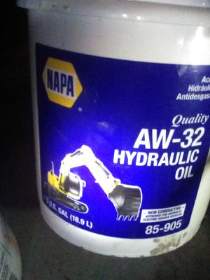 Hydraulic fluid aw32 for Sale in NC, US