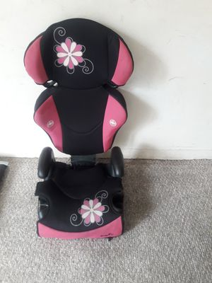 Booster car seat for Sale in Hartford, CT