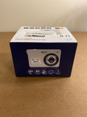 "2.7"" TFT LCD HD 18MP High Definition Digital Camera SD 32GB 8X ZOOM Silver for Sale in Reading, PA"