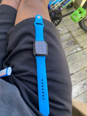 Apple Watch 4 44MM gps + cell for Sale in Tacoma, WA