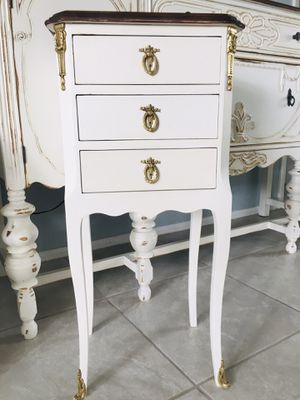 Gorgeous Midcentury French Louis XV Walnut bedside table for Sale in Merritt Island, FL