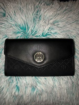 Tommy Hilfiger wallet for Sale in Tempe, AZ