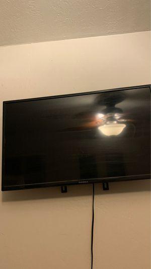 Roku TV 40 inch TV for Sale in Fresno, CA