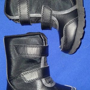 Toddler Snow Boots for Sale in Carol Stream, IL