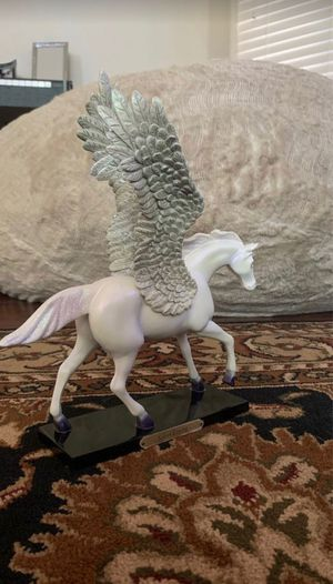 white pegasus horse statue for Sale in Tempe, AZ