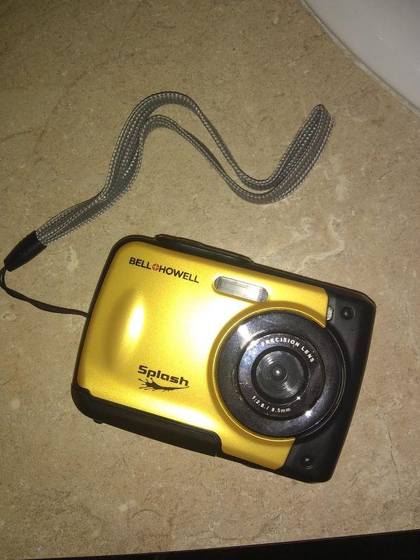 Bell&Howell waterproof digital camera