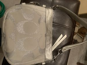 Coach authentic white with logo handbag for Sale in Glenview, IL