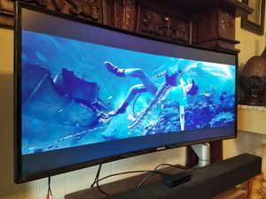 "Samsung 34"" curved Ultrawide 3440x1440 resolution w Loctek floating monitor arm for Sale in Monroe, LA"