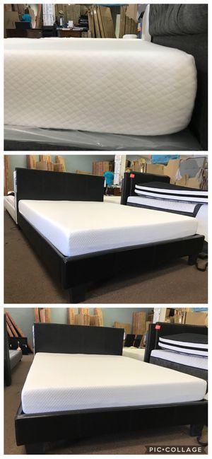 queen gel memory foam mattress for Sale in Glendale, AZ