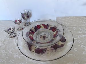 Westmoreland Della Robia Torte Plate & Lg Fruit Bowl for Sale in Marina del Rey, CA
