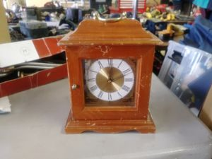 Small Clock w/ Jewelry Holder for Sale in Norfolk, VA