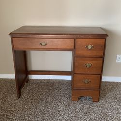 Little Desk for Sale in Clackamas,  OR