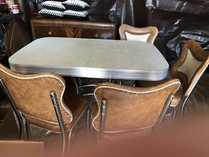 Antique table set. Very nice condition for Sale in Watsontown, PA