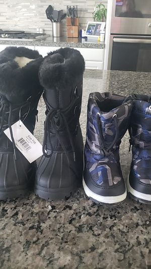 Snow boots for kids for Sale in Jurupa Valley, CA