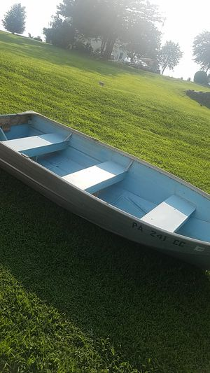 12 ft aluminum boat for Sale in Stewartstown, PA