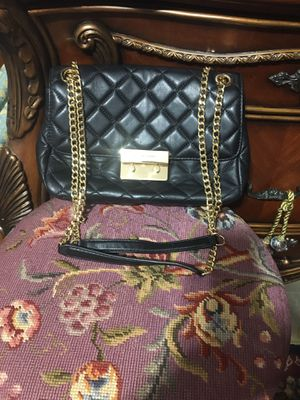 Michael Kors quilt leather purse. for Sale in Willingboro, NJ