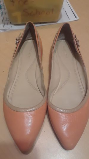 LADIES FLATS SZ 10, LIKE NEW, NINE WEST LEATHER for Sale in Nashville, TN