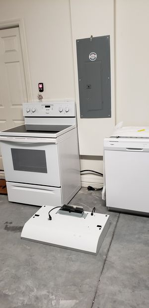 Whirlpool electric stove dish washer and hoodrange for Sale in Mascotte, FL