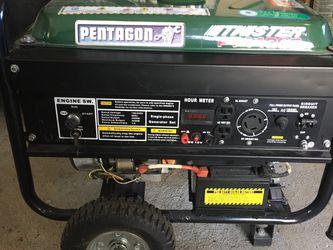 Like New 4400 Watt Generator for Sale in Lincoln,  RI