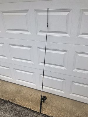 fishing pole and reel used for Sale in Oyster Bay, NY