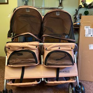 medium dog stroller for Sale in Woodbridge, VA