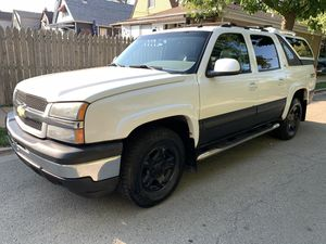 2005 Chevy Avalanche for Sale in Chicago, IL