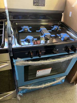 Frigidaire stainless steel gas range for Sale in Corona, CA