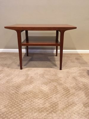 Counter Point End Table by Drexel for Sale in Wenatchee, WA