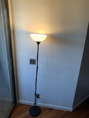 Floor lamp for Sale in Beverly Hills, CA