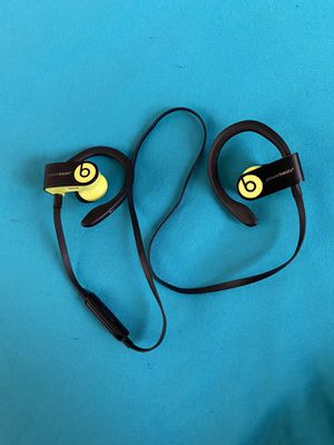 Wireless bluetooth Beats headphones for Sale in Cleveland, OH
