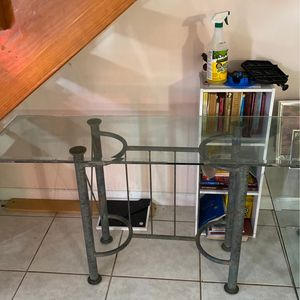 FREE Glass Tables! for Sale in Fort Lauderdale, FL