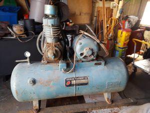 Air compressor 60 gallon 220 volt for Sale in NEW KENSINGTN, PA