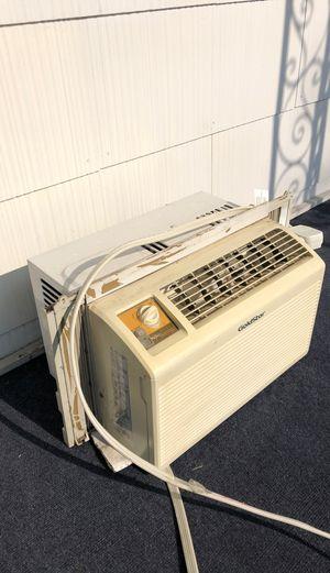 Goldstar Window AC Unit for Sale in Hamtramck, MI
