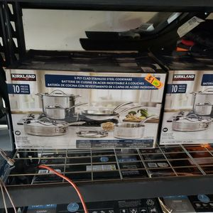 kirkland 10 piece pot and pan set for Sale in San Diego, CA