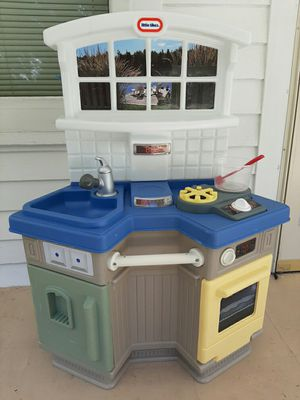 Little Tikes Lake View Camping Play Kitchen for Sale in Cuyahoga Falls, OH