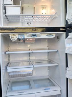 Black Kenmore Refrigerator for Sale in Phoenix,  AZ