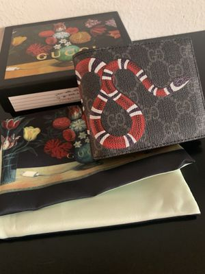 Gucci Black GG Supreme Snake Wallet for Sale in Los Angeles, CA