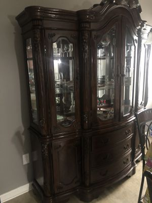 Coaster China Cabinet with Dining table for Sale in Warner Robins, GA
